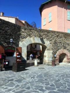"""Arcade """" passage vers la rue Rière"""
